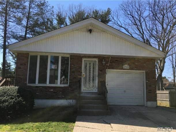 78 Van Cedar St, Brentwood NY 11717