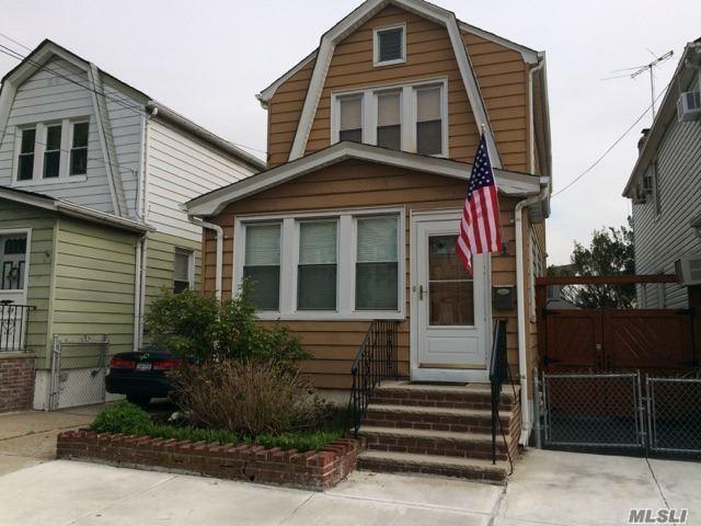 1089 Martinstein Ave, Bay Shore, NY