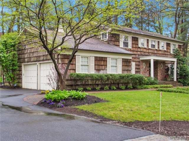 5 The Dell, Woodbury, NY 11797