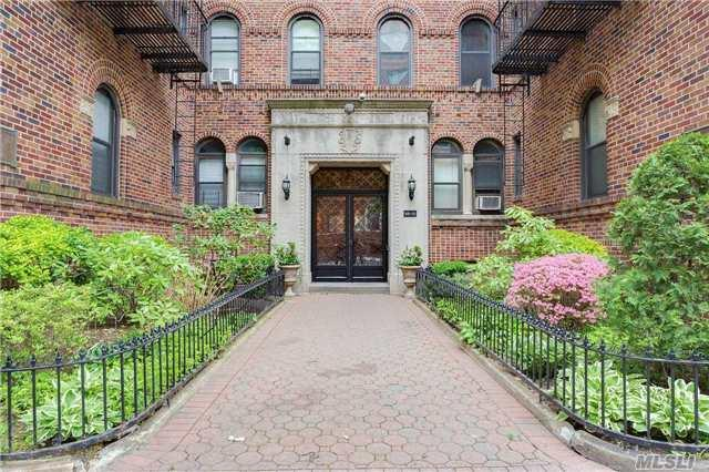110-21 73rd Rd #APT 4L, Forest Hills, NY