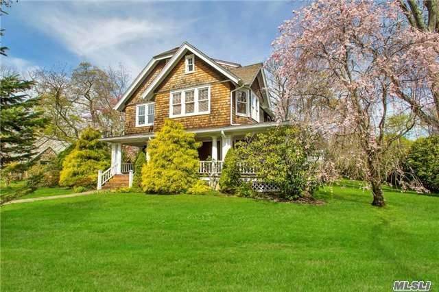 38 Woodland Dr, Brightwaters NY 11718