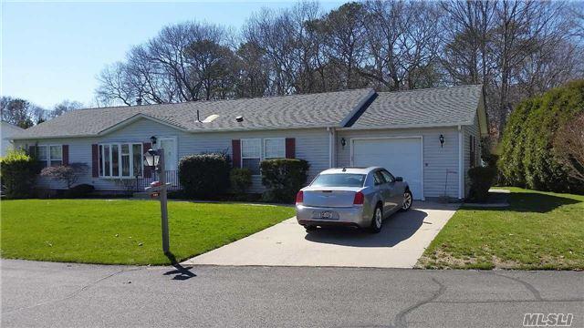 1407-116 Middle Rd #APT W O W, Calverton NY 11933