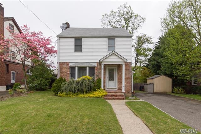 33 Hillview Ave, Port Washington, NY 11050