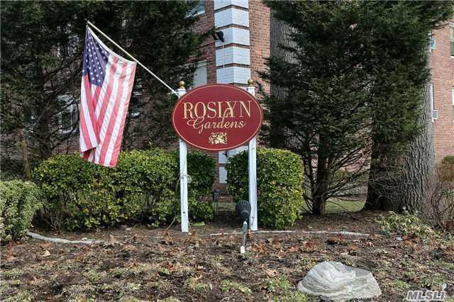100 Edwards St #APT 2B, Roslyn Heights NY 11577