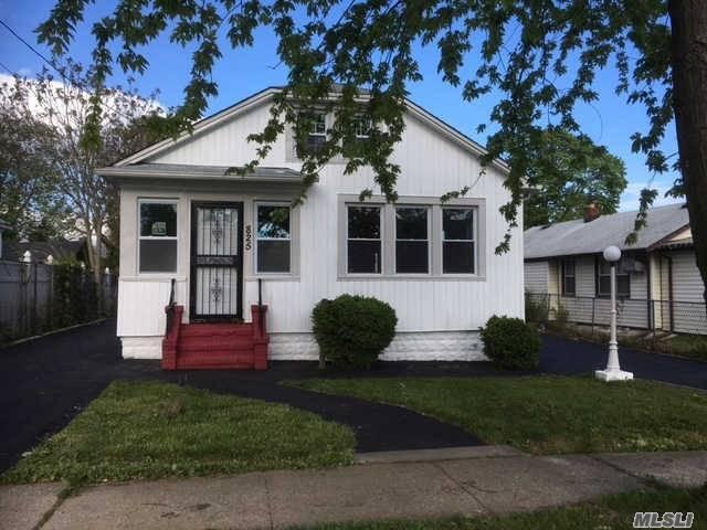 825 Fullerton Ave, Uniondale, NY