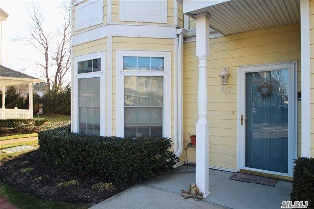 801 Emily Dr, Patchogue NY 11772