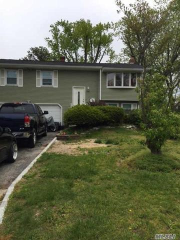 445 Freeman Ave, Brentwood NY 11717