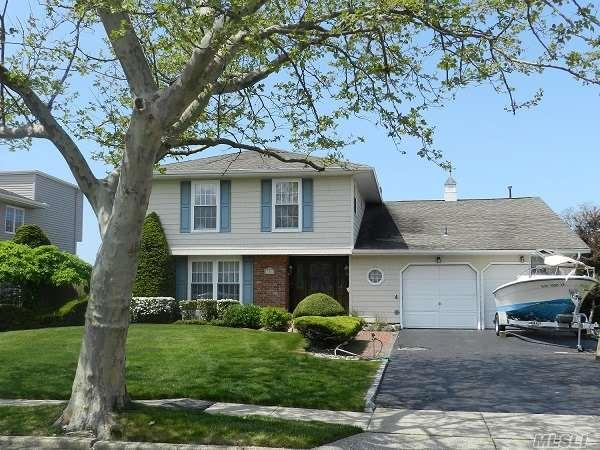 106 Anchorage Dr, West Islip, NY