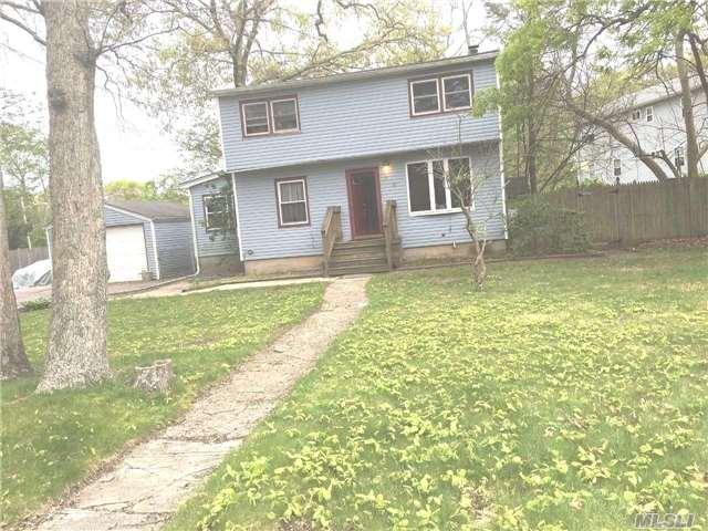26 Old Country Rd, Deer Park, NY