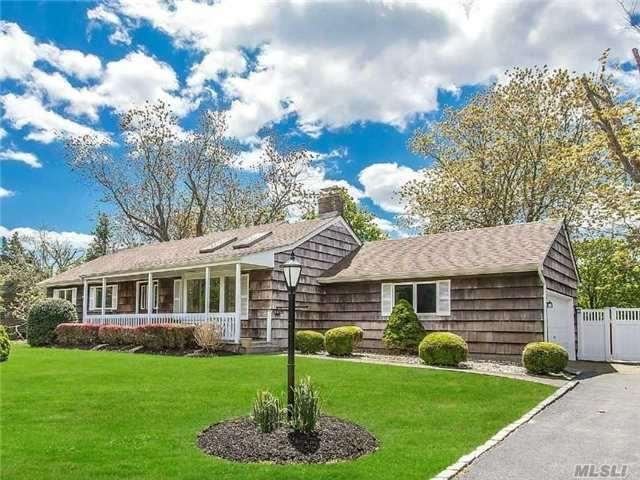 2 Highview Blvd, Brookhaven, NY 11719
