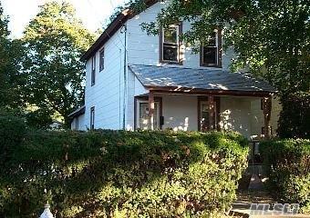 205 Cornell St, Hempstead, NY 11550