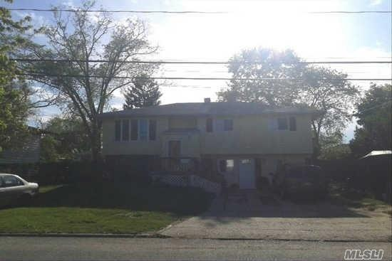 138 Grand Ave Brentwood, NY 11717