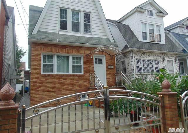 95-18 126th St, South Richmond Hill NY 11419