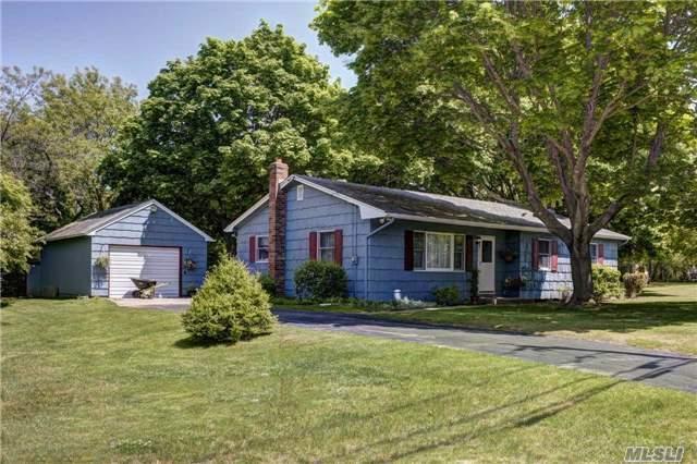 1235 Cedar Dr, East Marion, NY