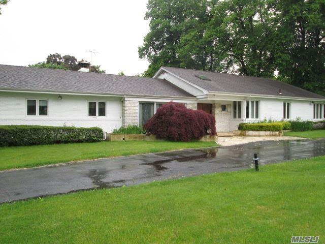 7 Sinclair Dr, Great Neck, NY