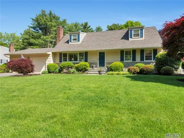 7 Homestead Path, Huntington, NY