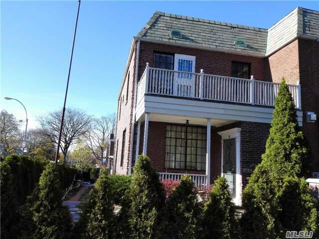 100-01 75 Ave, Forest Hills, NY