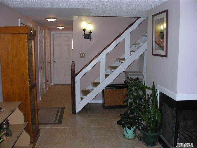 22 Honeysuckle Lane, Holtsville, NY 11742