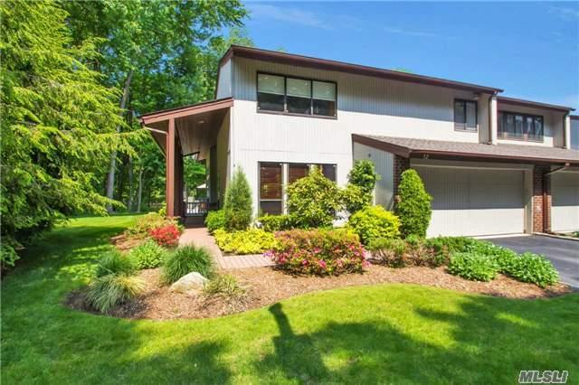 12 Pond View Ct Jericho, NY 11753