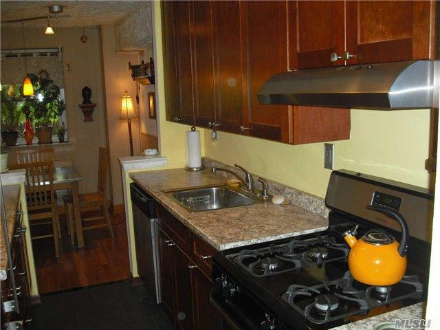 89-40 151 Ave #APT 4K, Howard Beach, NY