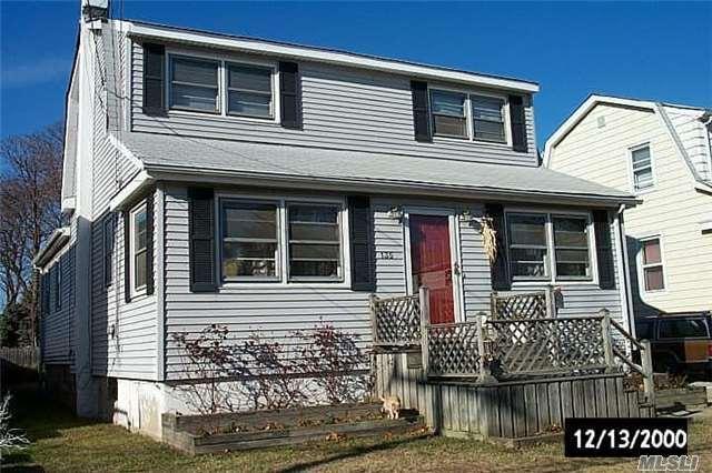 135 Baisley Ave, East Rockaway, NY 11518