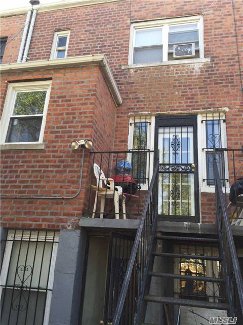88-07 208th Street, Queens Village, NY 11427