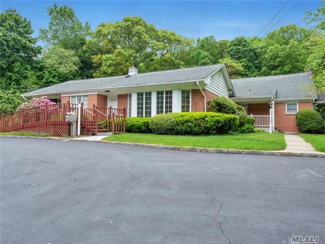 634 Park Ave, Huntington, NY 11743