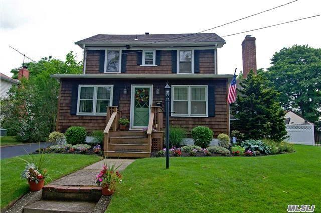 508 Lombardy Blvd Brightwaters, NY 11718