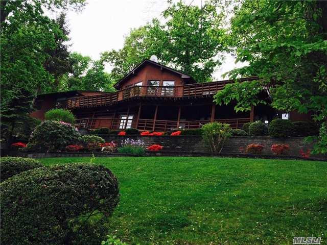205 W Shore Rd, Huntington, NY 11743