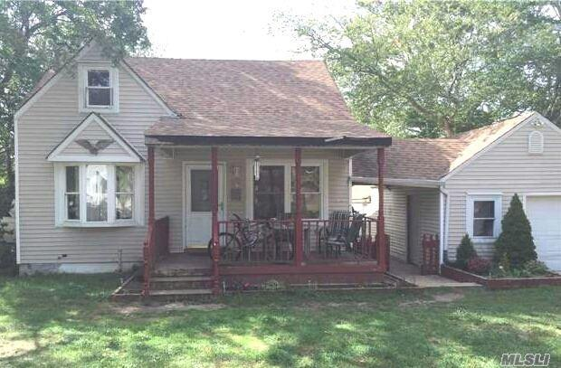 140 Lake Dr Patchogue, NY 11772