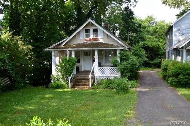 45 Cody Ave, Glen Head, NY 11545
