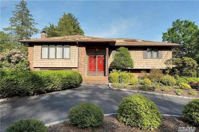3 Dorset Ln, Huntington Station, NY 11746