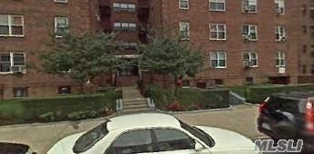 64-74 Saunders St #5F, Rego Park, NY 11374