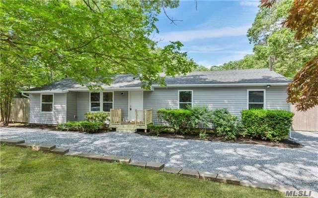 61 W End Ave, Shirley, NY 11967