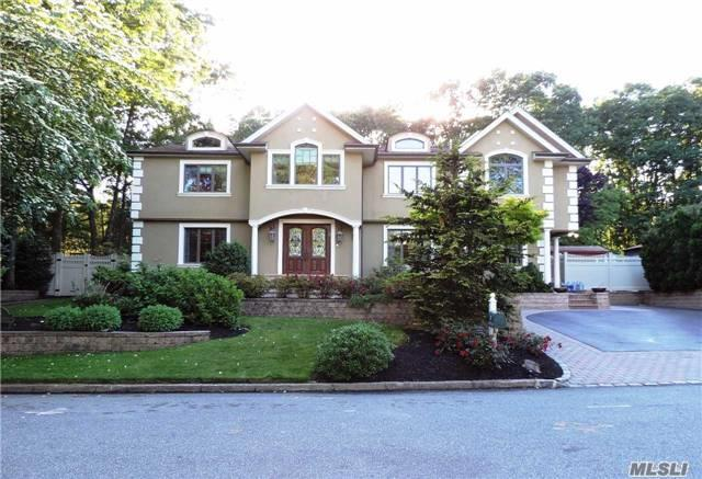 25 Long Acre Ln Huntington Station, NY 11746