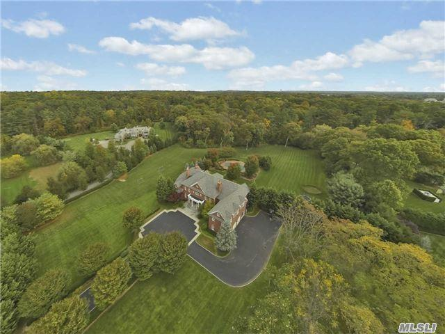 5 Tatem Way Old Westbury, NY 11568