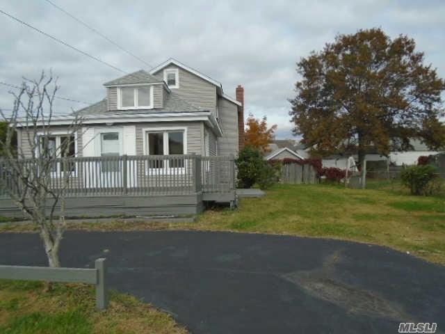 44 Shore Road, Lindenhurst, NY 11757
