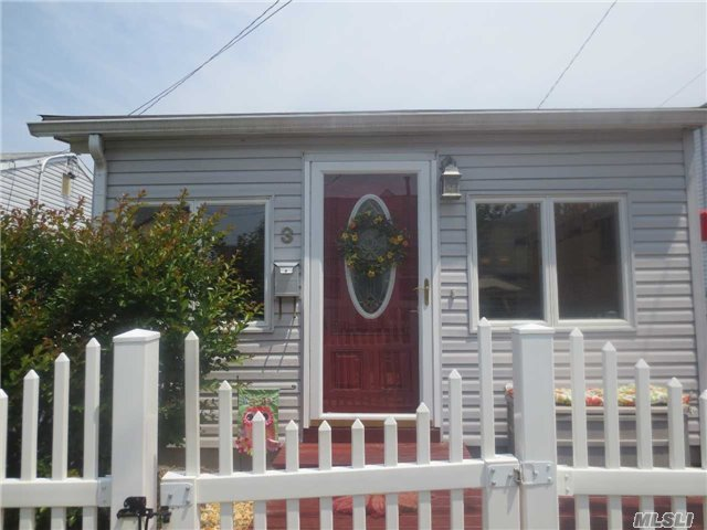 3 Kirgan Ct, East Rockaway, NY 11518