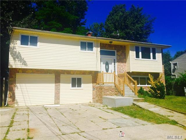 16 2nd St Brentwood, NY 11717