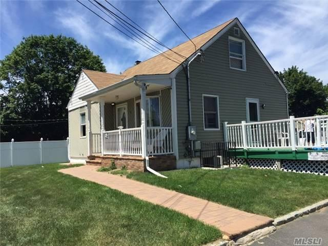 13 Macarthur Ave Brentwood, NY 11717