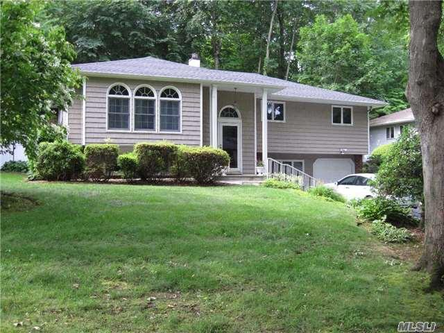 57 Cliftwood Dr Huntington, NY 11743