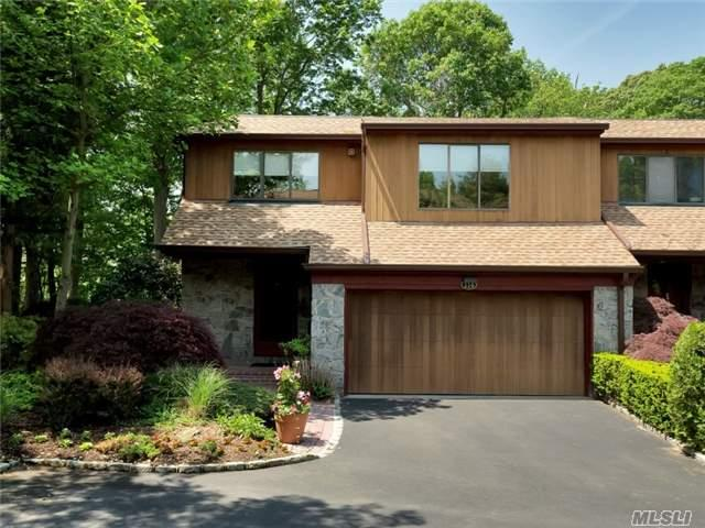 114 The Cres Roslyn Heights, NY 11577