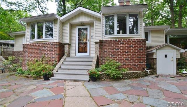 97 Glenna Little Trl Huntington, NY 11743