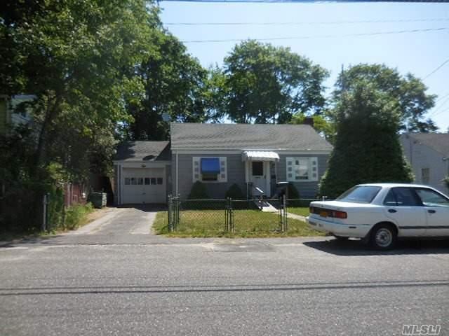 20 Duffy Ct Central Islip, NY 11722
