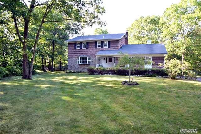 367 W Woodside Ave Patchogue, NY 11772