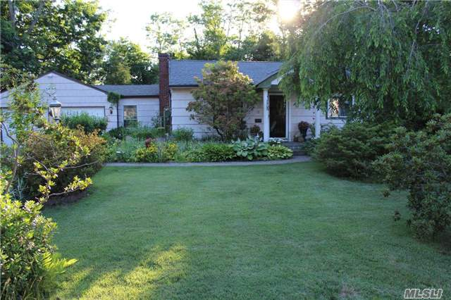 62 2nd St, Brentwood, NY 11717