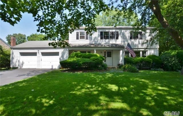 34 Conklin Ln Huntington, NY 11743