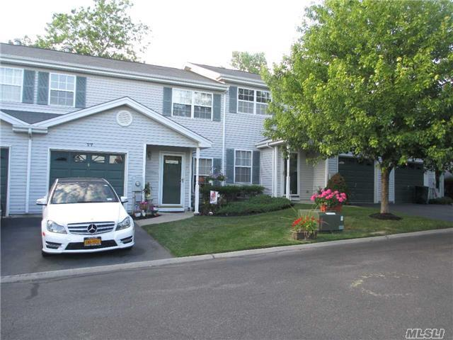 77 Biltmore Cir Huntington Station, NY 11746