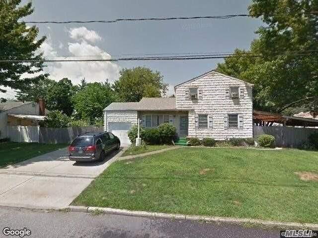 67 Morton St, Brentwood, NY 11717