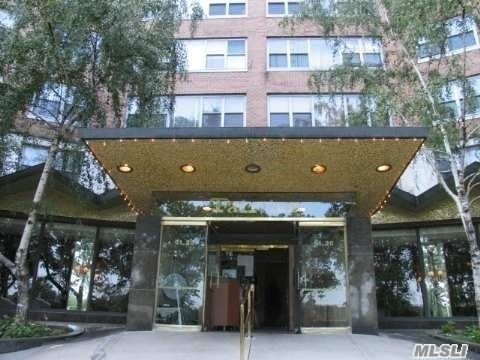 61-20 Grand Central Pkwy #C 906, Forest Hills, NY 11375
